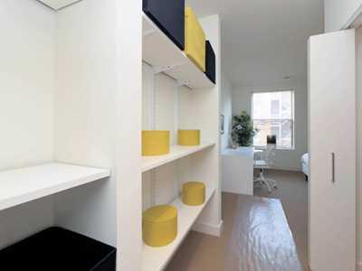 Model apartment, Ravenswood Terrace, Chicago