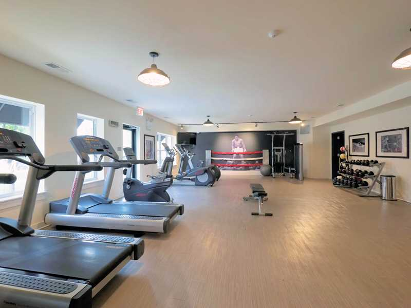 Fitness room, Ravenswood Terrace, Chicago
