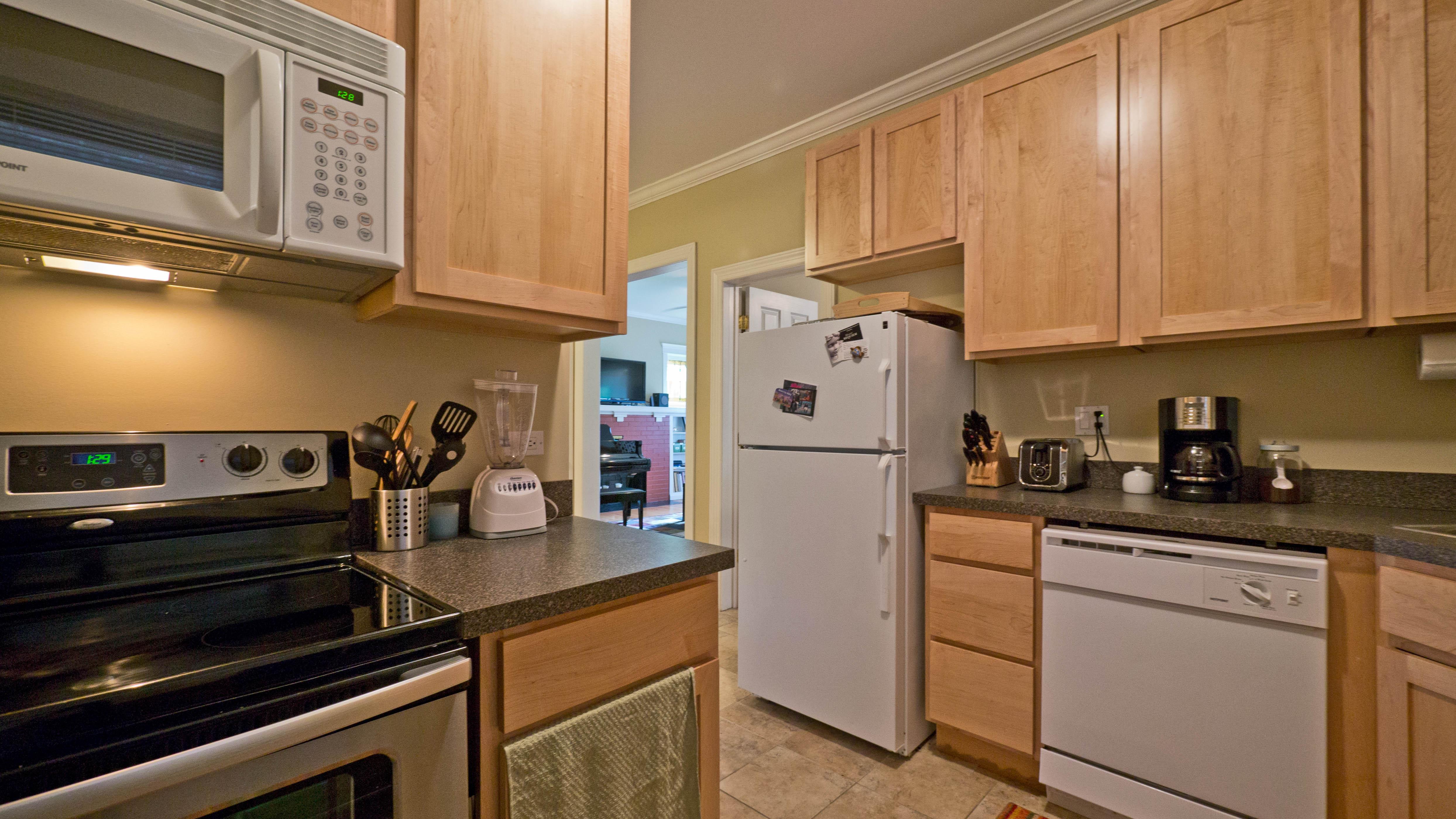 Evanston apartment review, 1576 Oak Ave – YoChicago