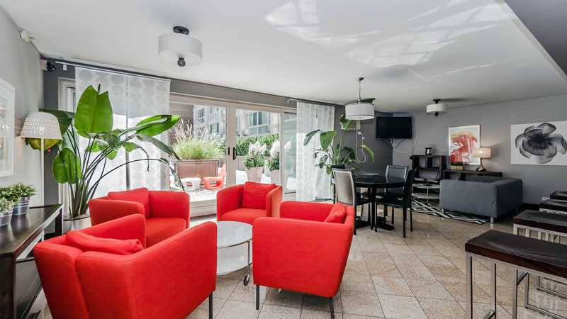 Tour renovated Lakeview East apartments at The Van der Rohe