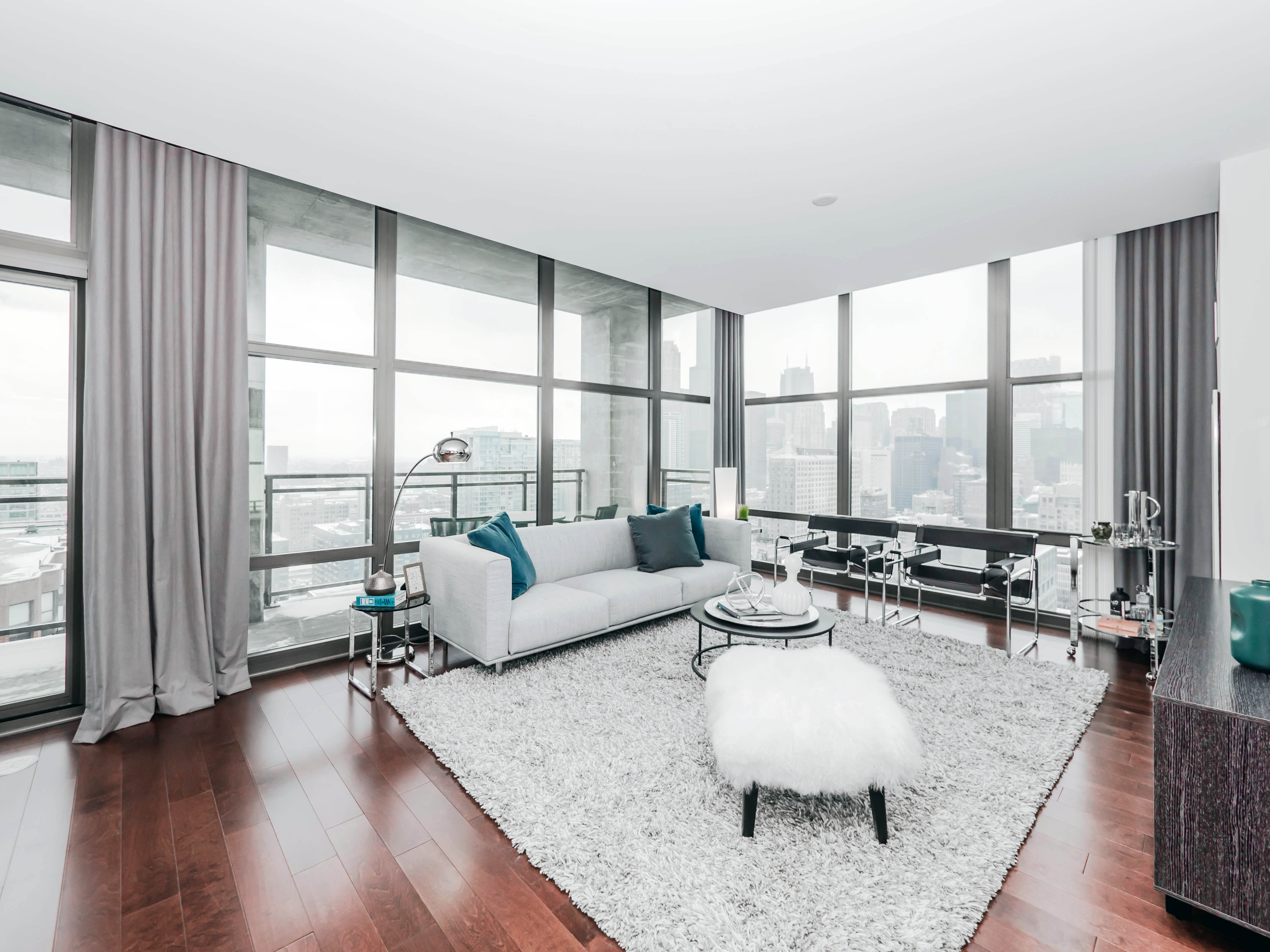 Astoria Tower apartments, 8 E 9th St, South Loop – YoChicago