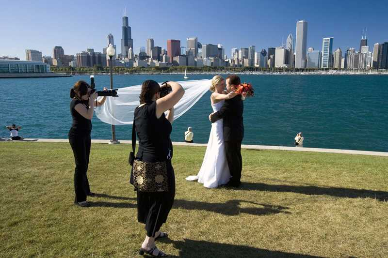 The backdrop of Lake Michigan and Chicago's skyline make the Museum Campus a popular spot for wedding photos.