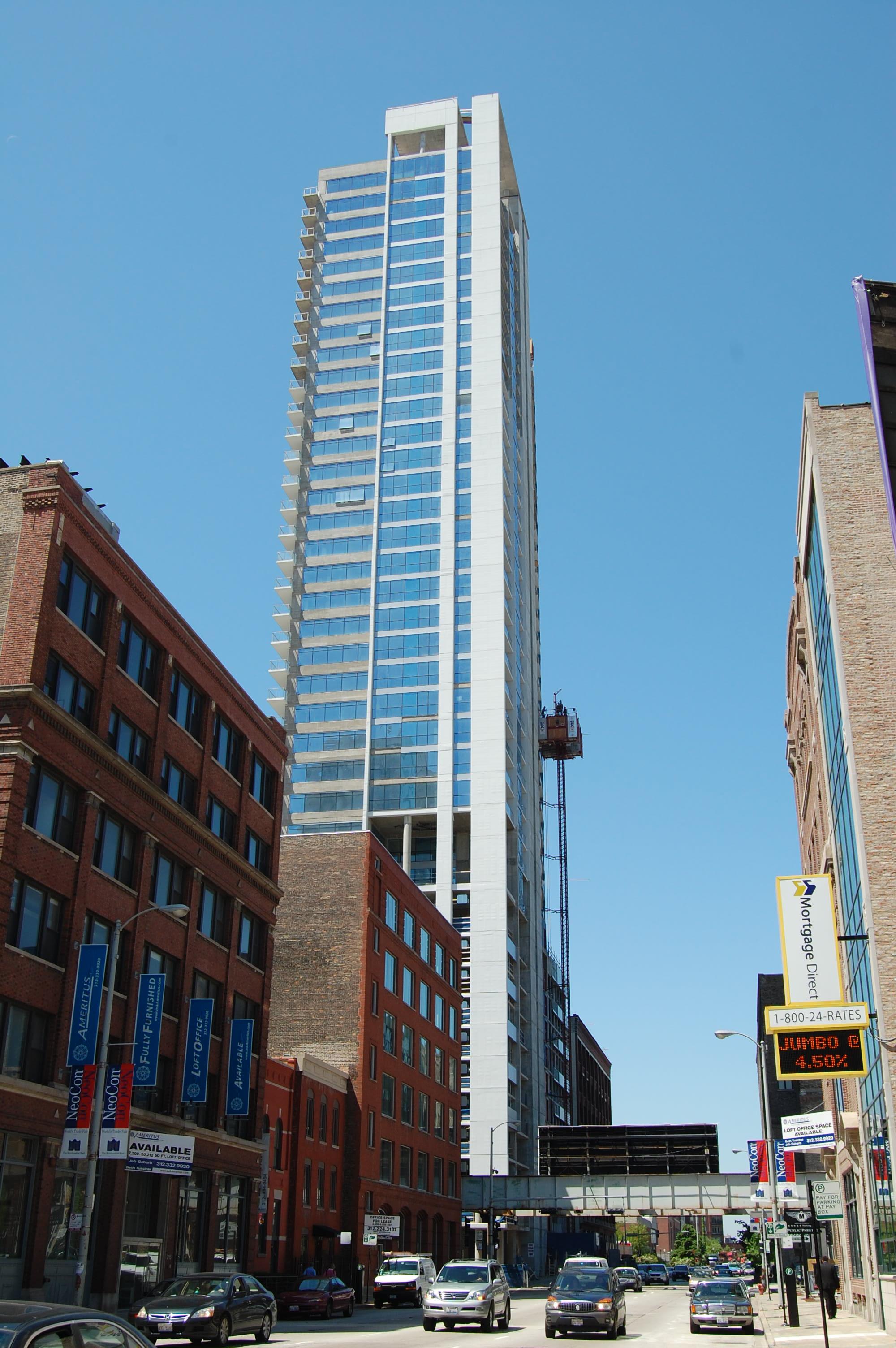 Silver Tower, 303 W Ohio St, River North, Chicago