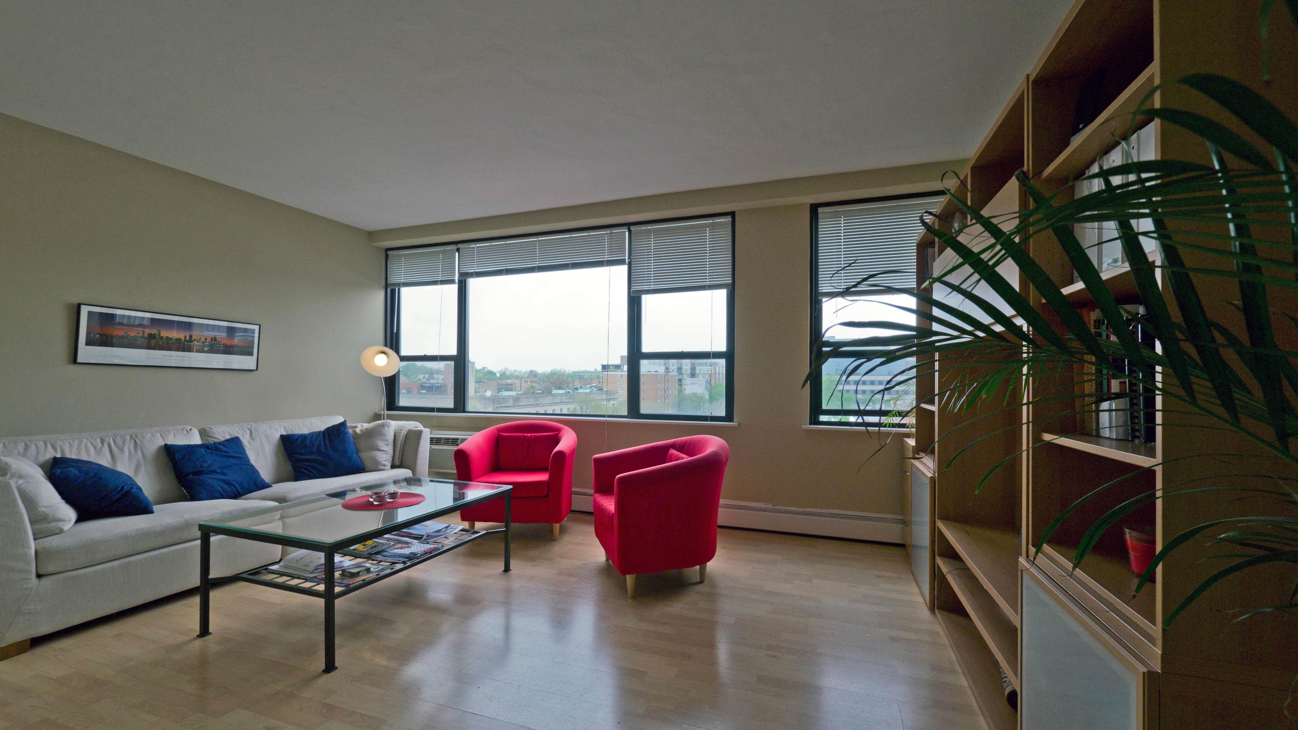 Evanston Apartment Review 1575 Oak Ave Yochicago