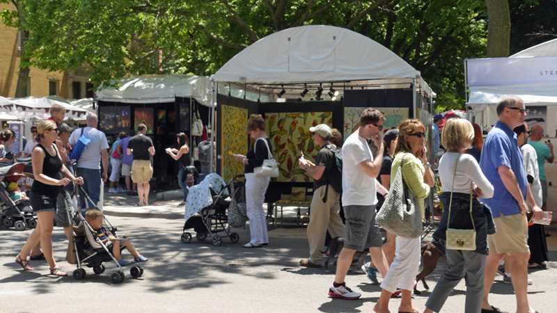 It's THE weekend for Old Town apartments and art fairs