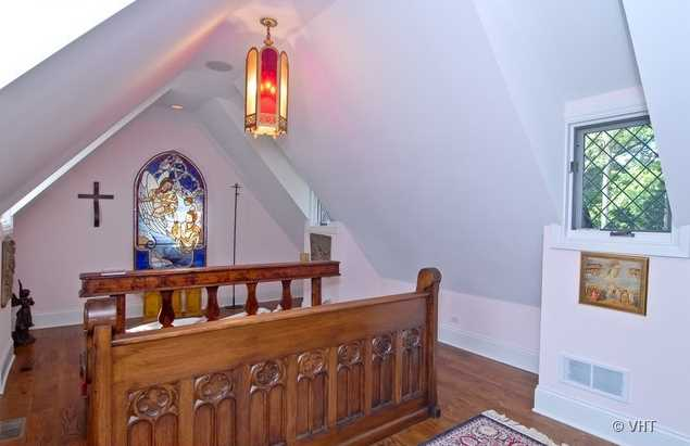 Lake Forest chapel converting to walk-in closet