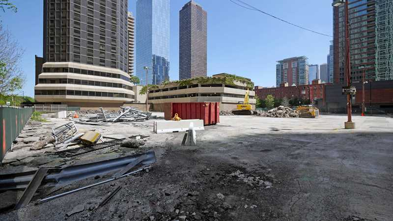 Streeterville apartments moving forward