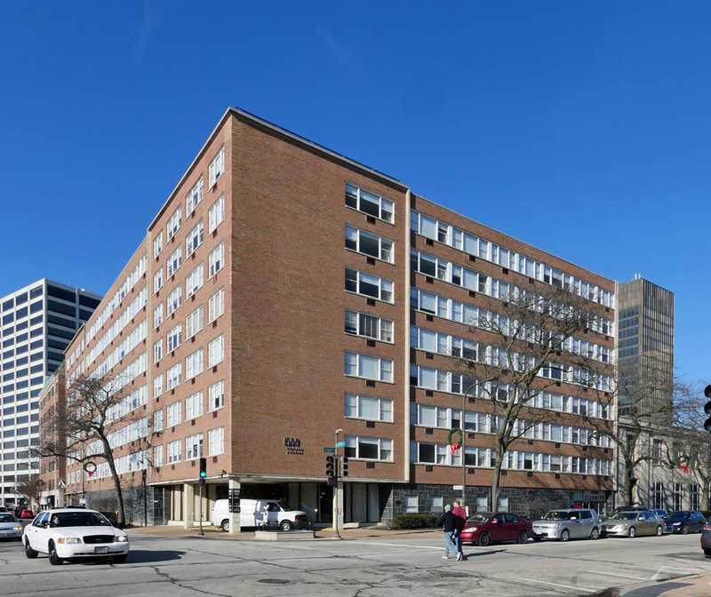 Evanston apartment review, 1500 Chicago Ave
