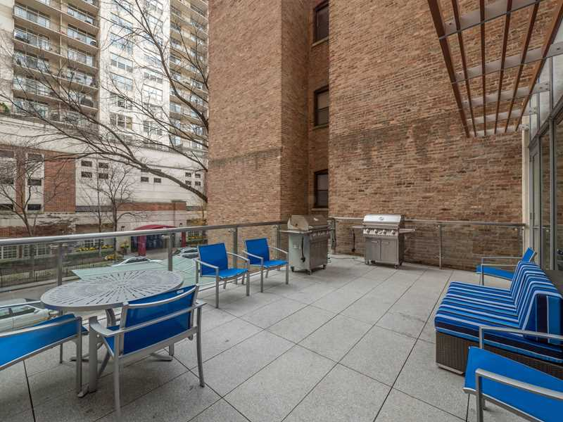 Chestnut Place, Chicago, grilling area