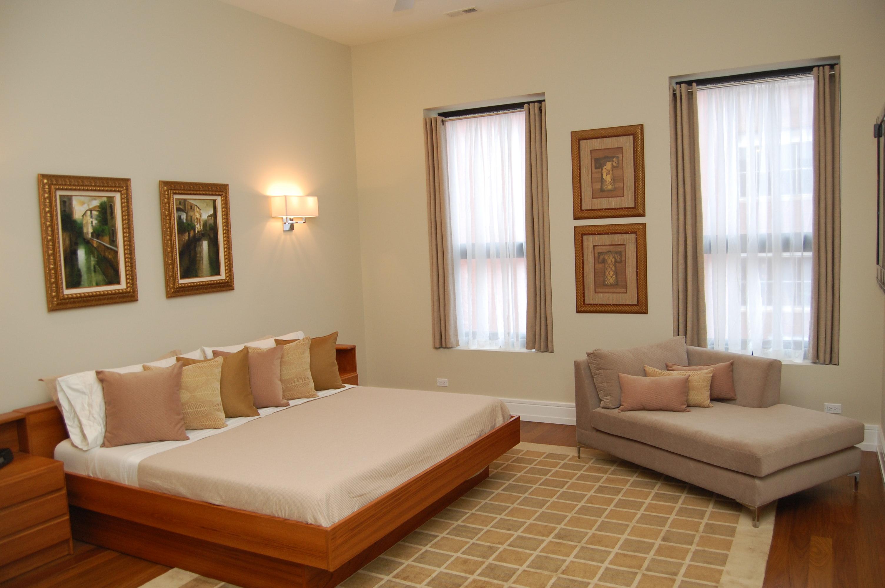 Inside A Three Bedroom Duplex At 813 Fulton Yochicago