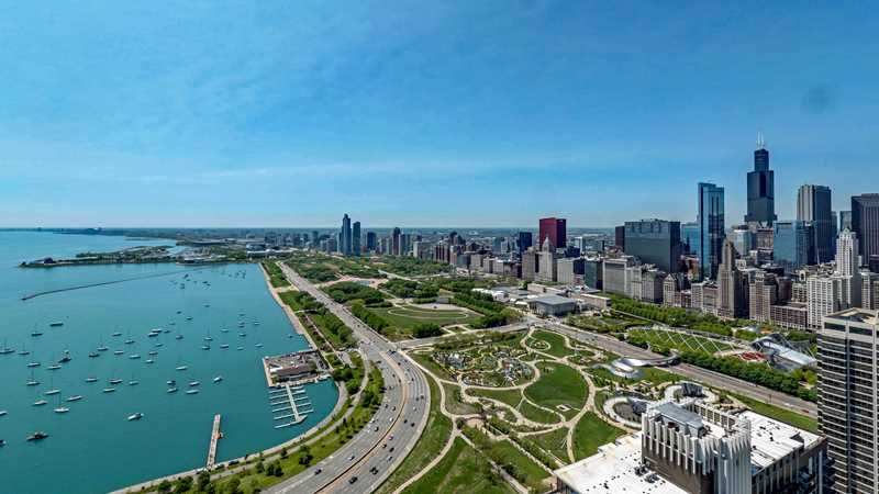 North Harbor Tower has spacious apartments steps from Maggie Daley Park