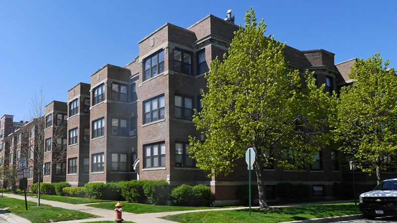 Evanston apartment review, 618 Hinman Ave