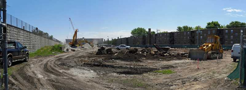 A Ravenswood Station update: Mariano's and apartments