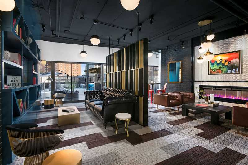 South Loop rent specials at the newly-renovated 777 South State