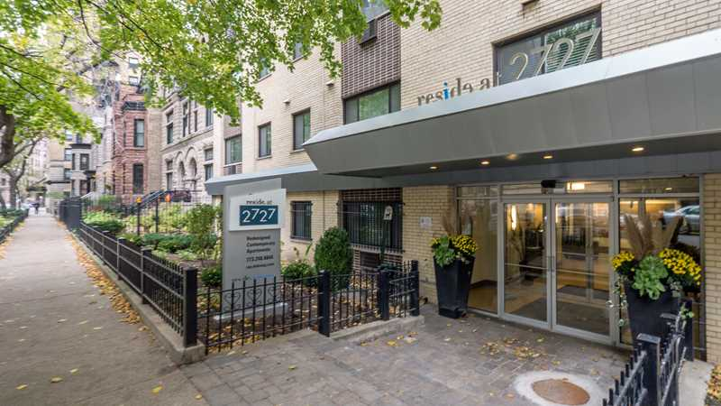 Reside at 2727 apartments, 2727 N Pine Grove Ave, Lincoln Park