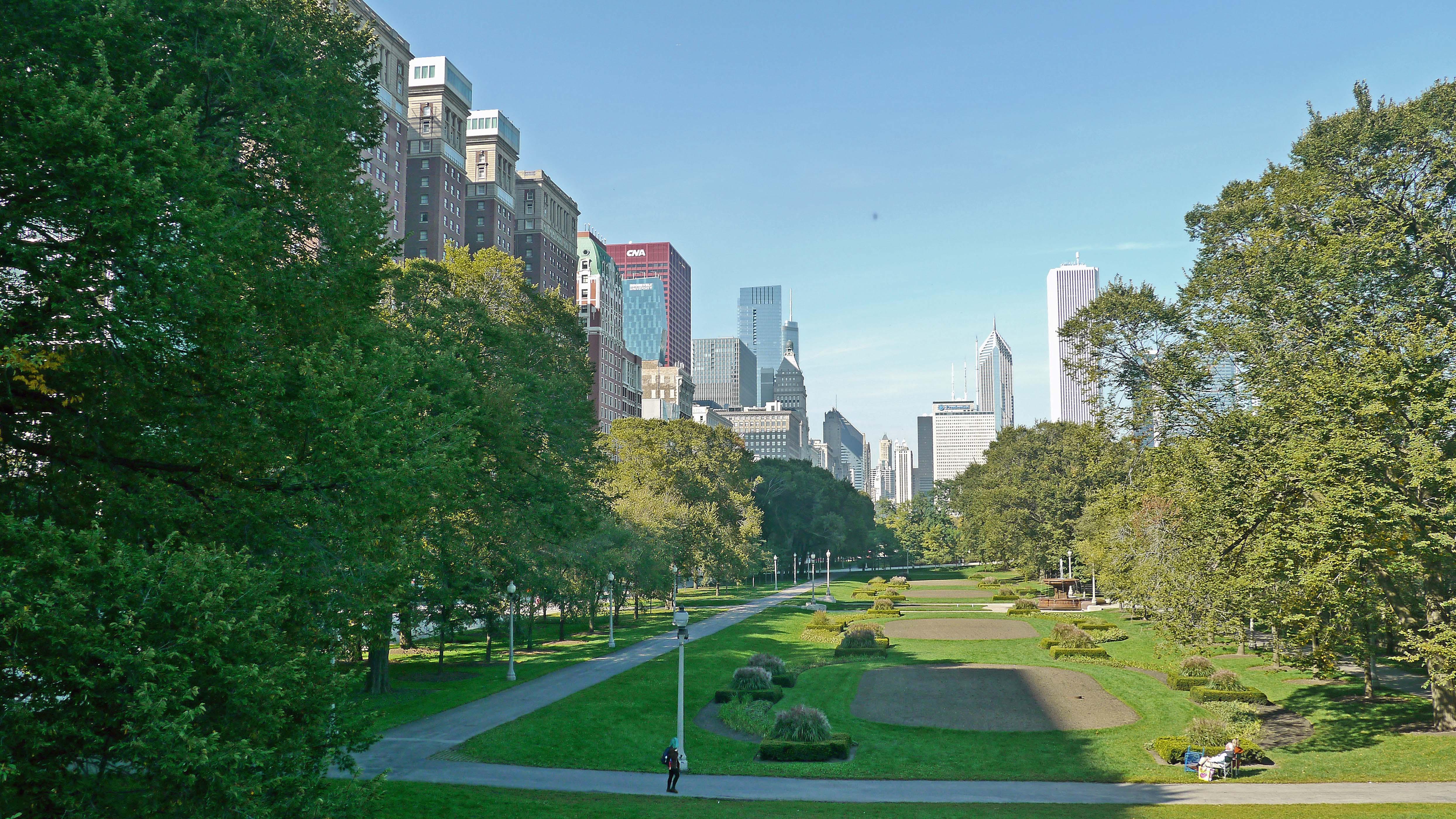 Views Of Grant Park And Millennium Park Yochicago