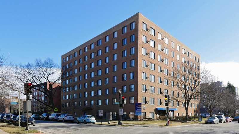 Evanston apartment review, Main Station, 855 Hinman Ave