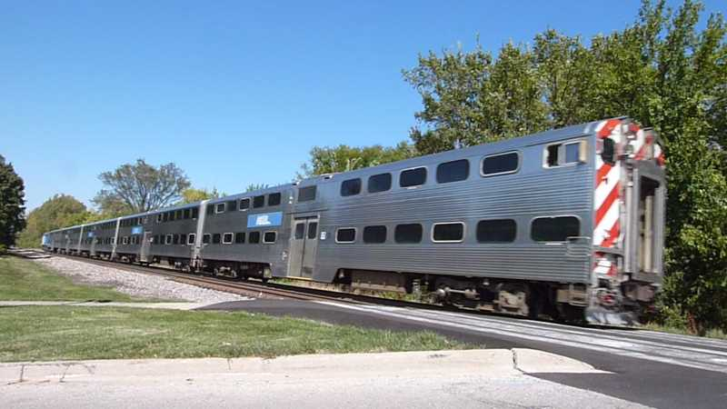 Metra train in Wilmette