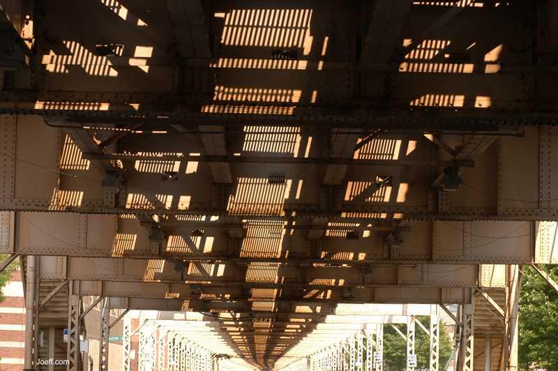 Under the L, Joeff Davis photo, Chicago