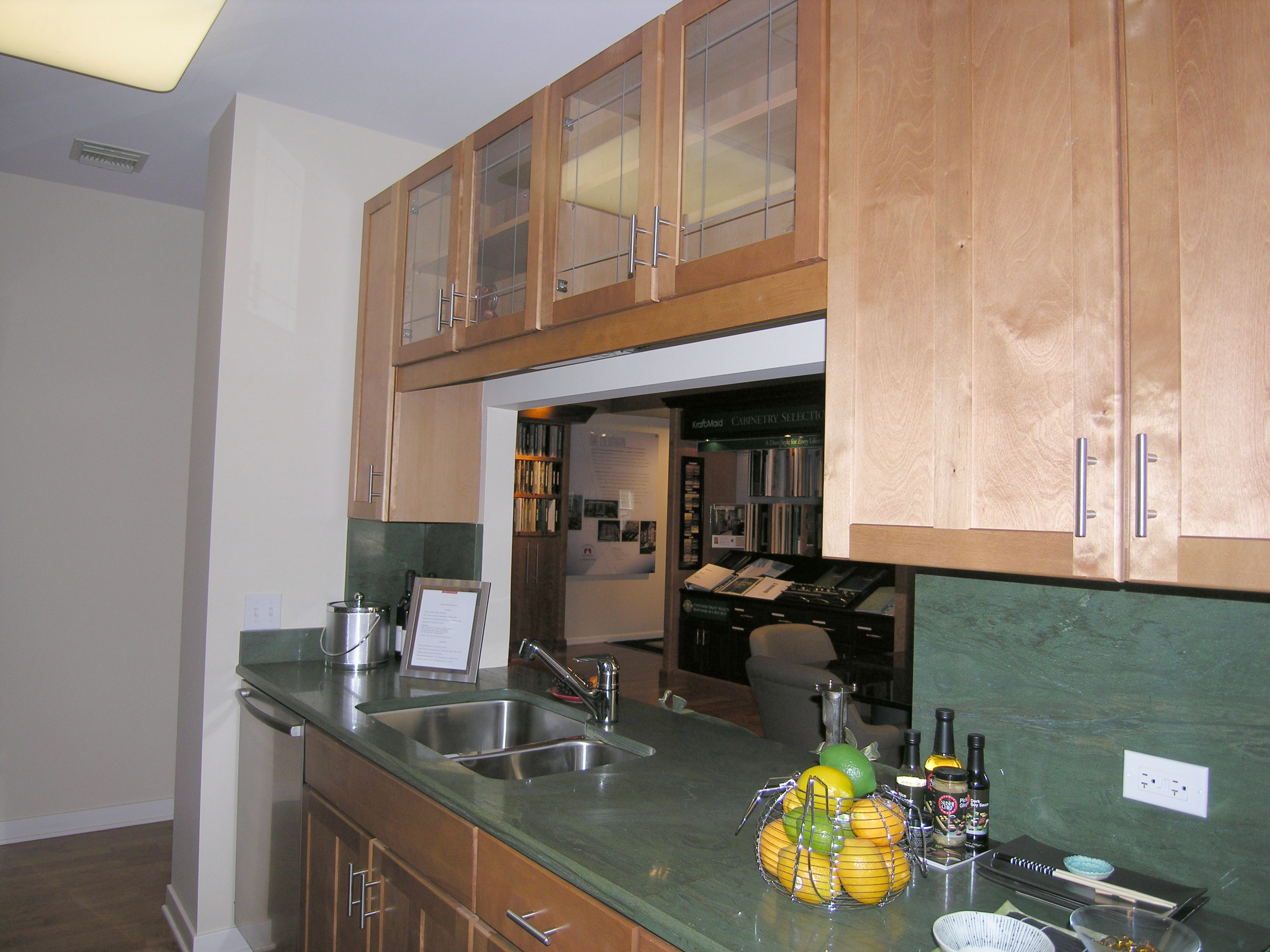 Model At The Columbian Spotlights Kitchen And Bath Finishes Yochicago