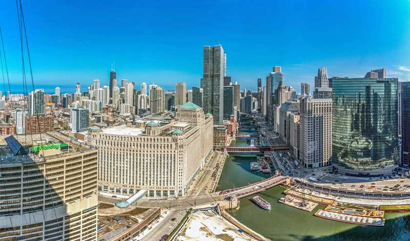 Enjoy River North's best views from Wolf Point West apartments