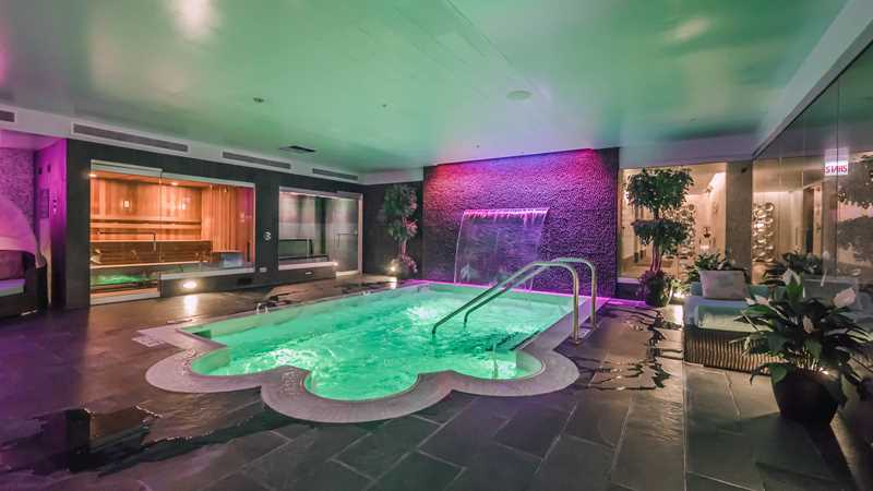 Downtown Chicago Apartments With Indoor Pools A Complete