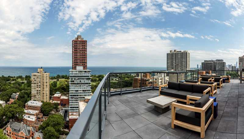 Roof deck, 2950 N Sheridan, Chicago