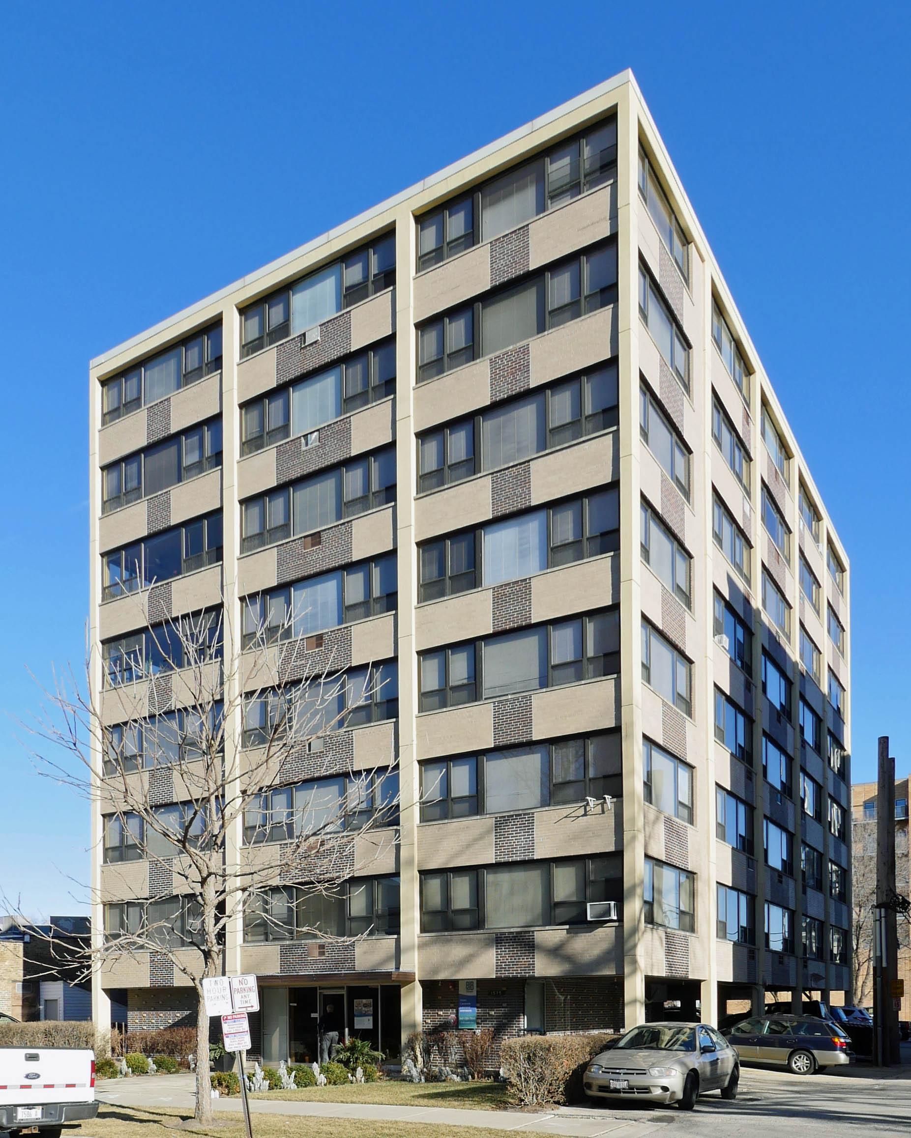 Evanston apartment review, 1575 Oak Ave – YoChicago
