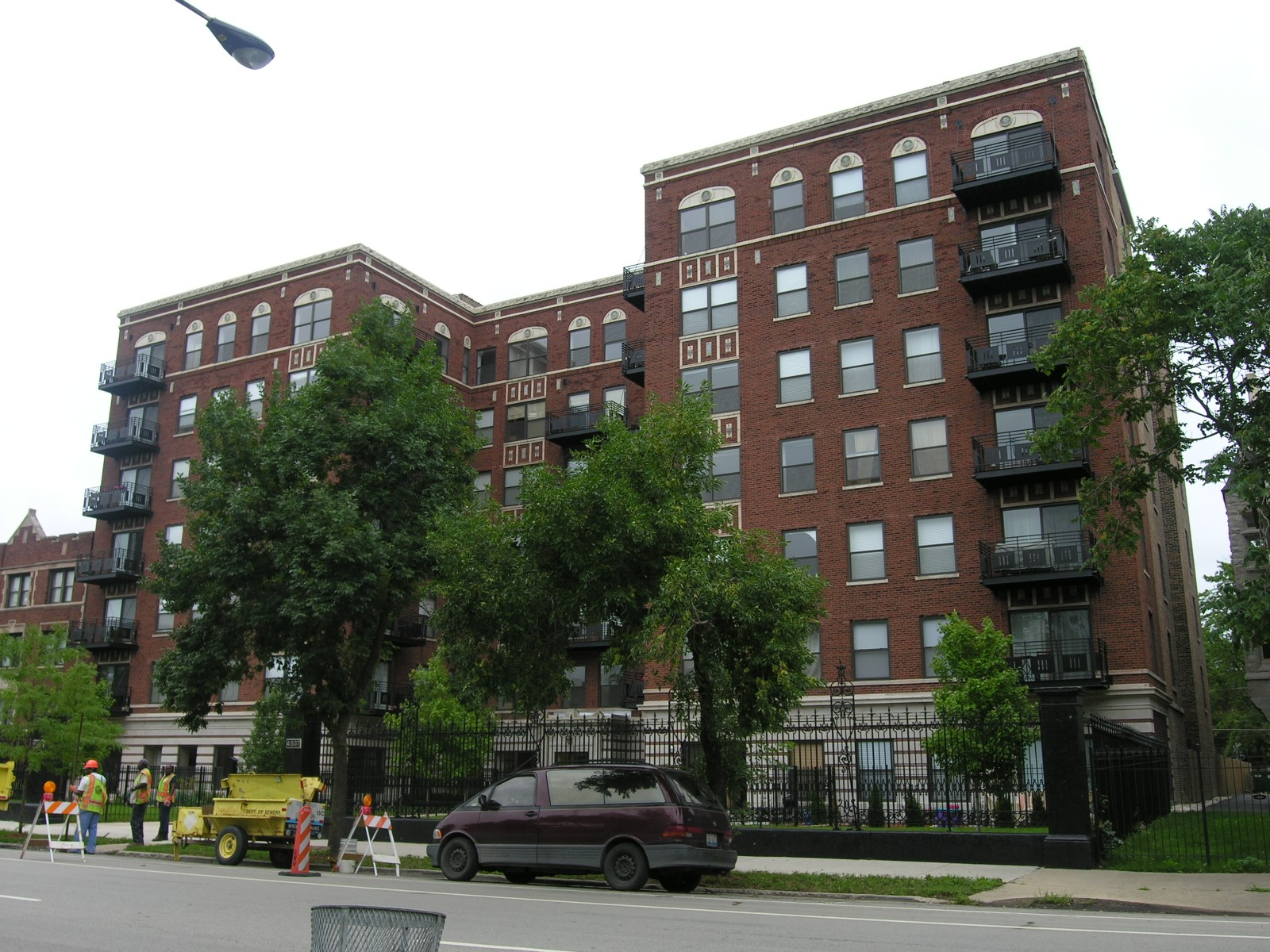 Chicago deal of the day: closeout sale at Drexel Parc Lofts