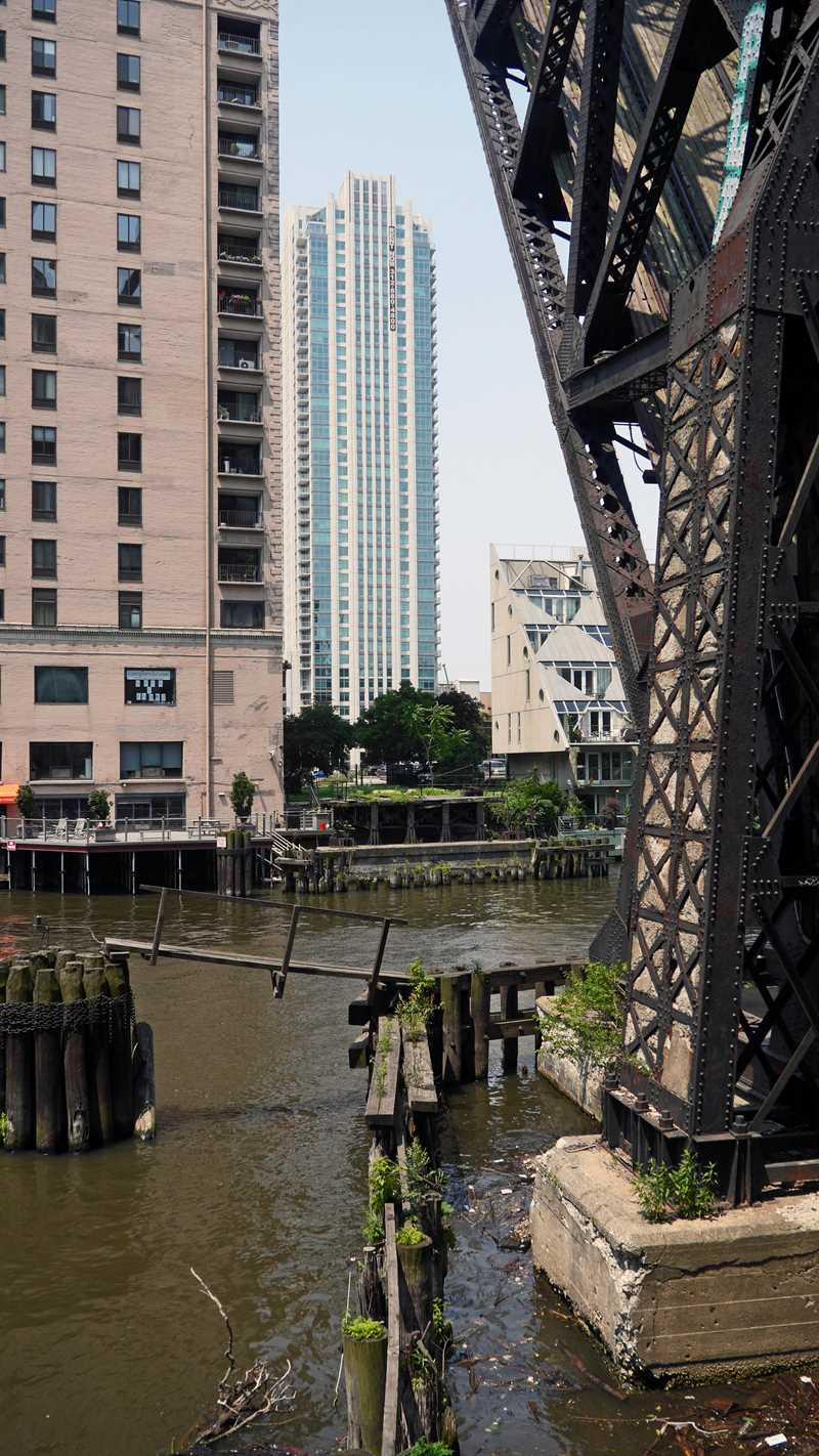Bridging River North and the Fulton River District