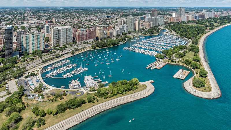 Belmont Harbor studios to 3-bedrooms from under $1,000