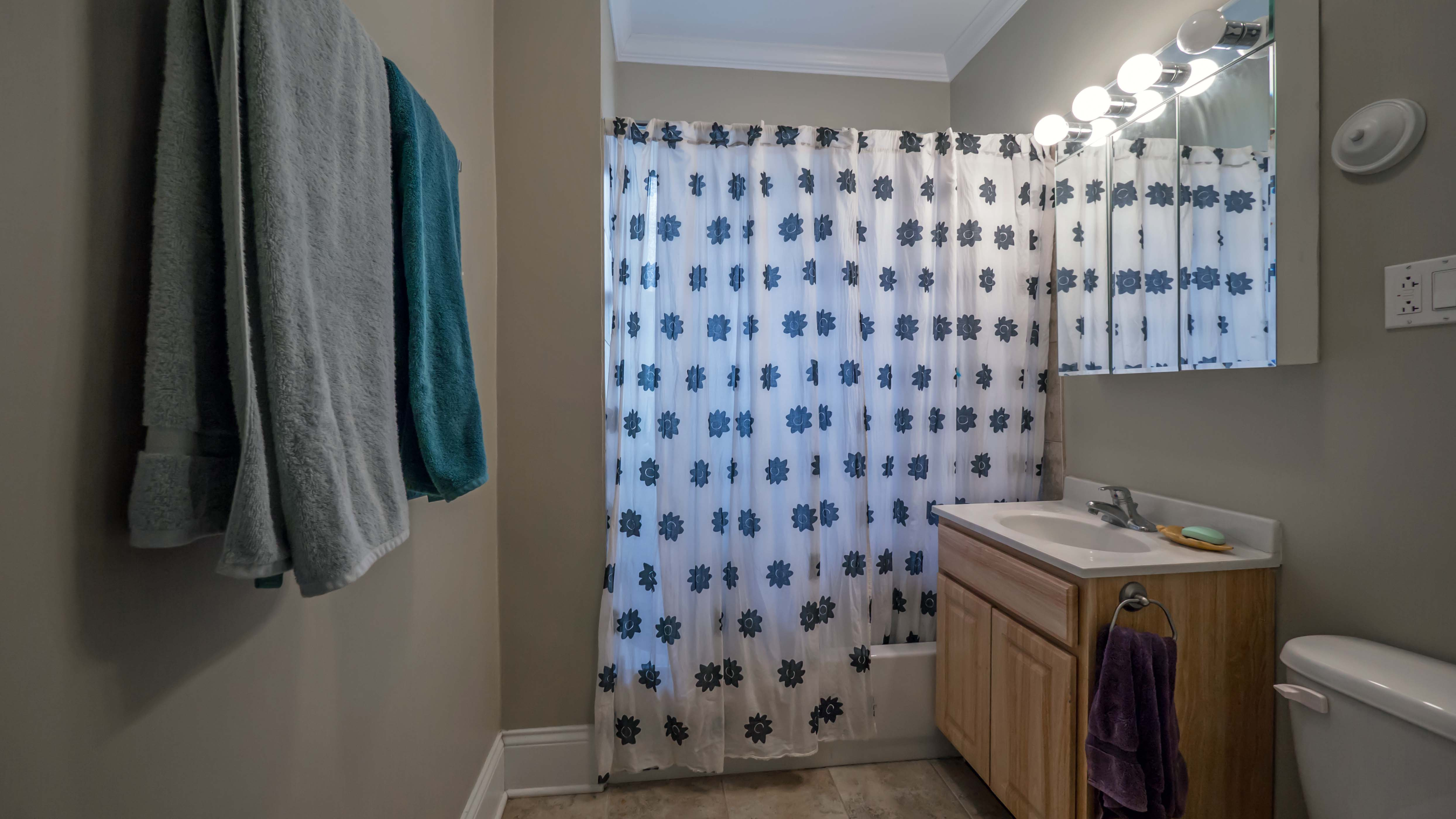 Magnificent Ated Bathrooms With Shower Curtains Gallery - Bathtub ...