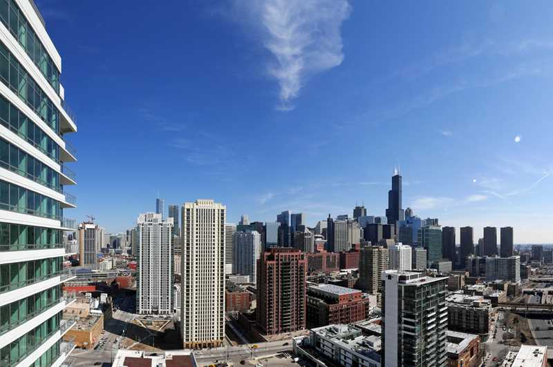 Walk to Chicago's hottest neighborhoods from K2 Apartments