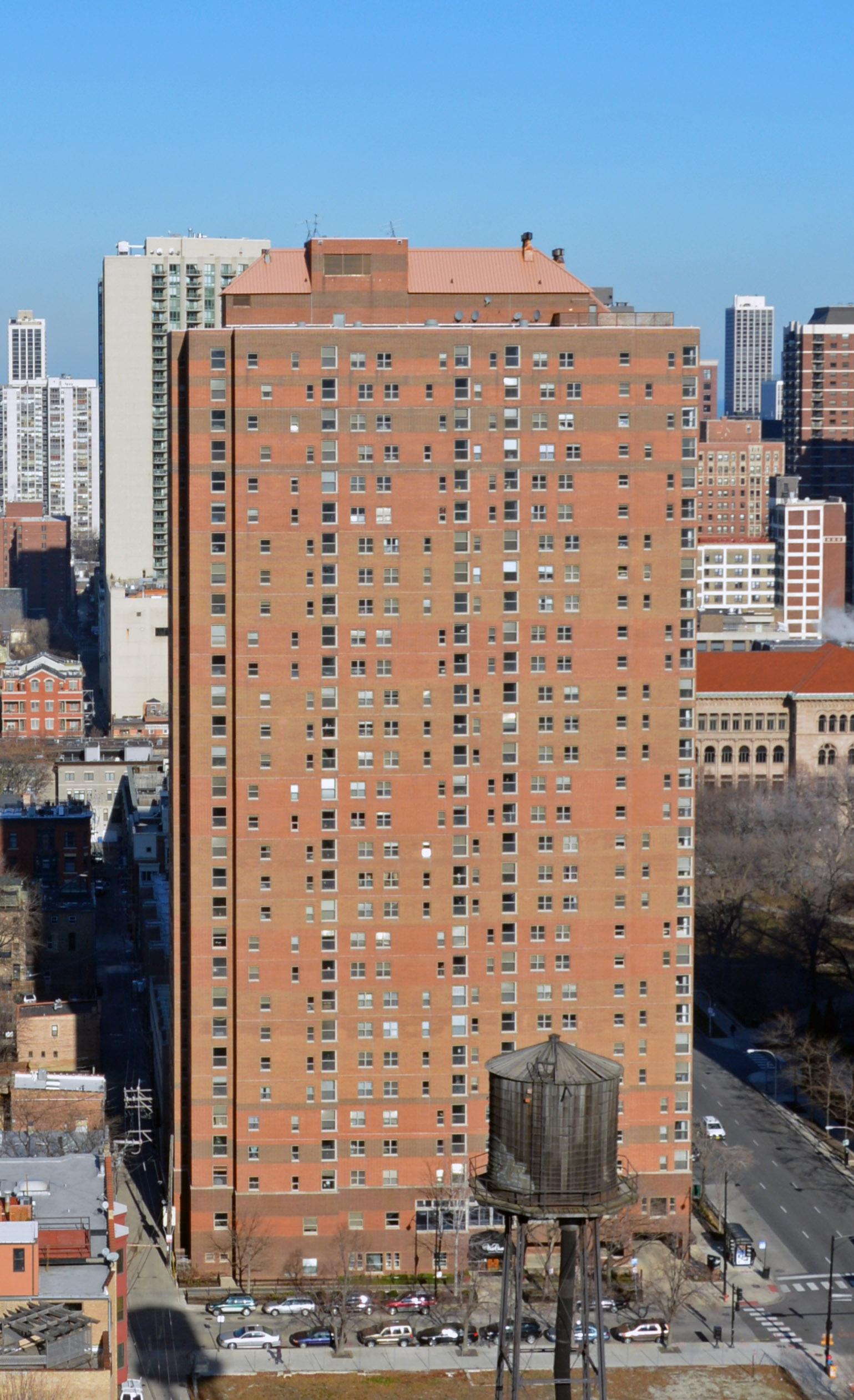 100 West Chestnut Apartments 100 W Chestnut St River