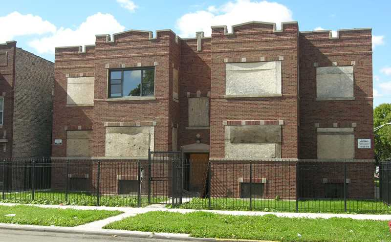Foreclosures less of a market factor nationally, still high in Illinois