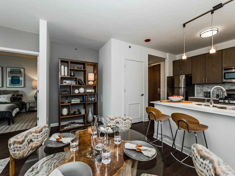 Start the New Year at a new downtown Evanston apartment
