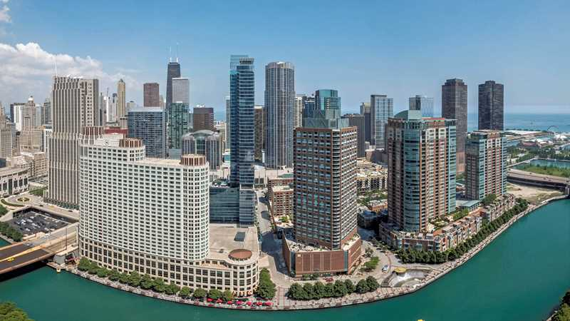 Coast apartments in Lakeshore East boast spectacular views and amenities
