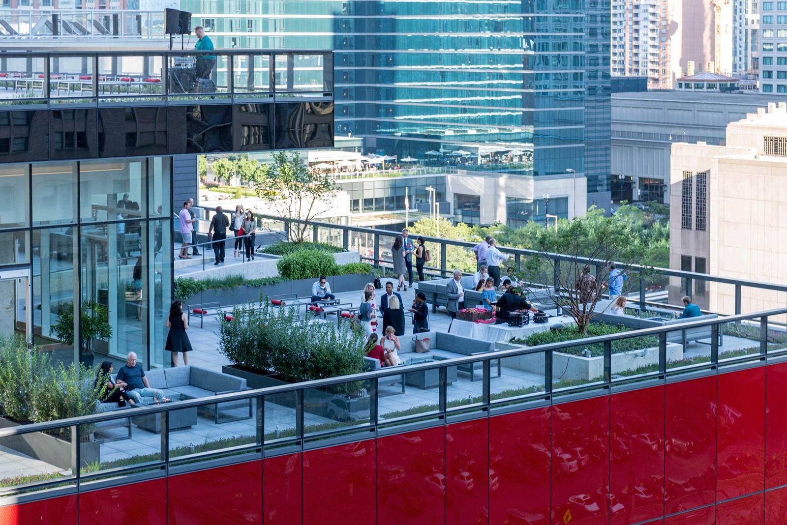 streeterville u0027s new optima signature has lavish amenities opulent