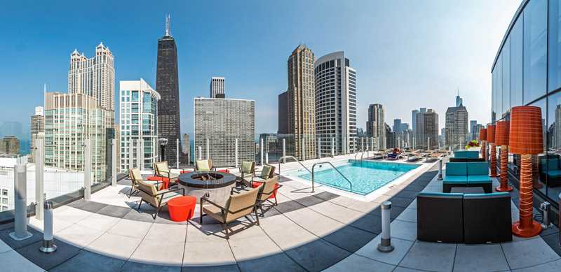 Rent steps from everything at River North's full-amenity State & Chestnut