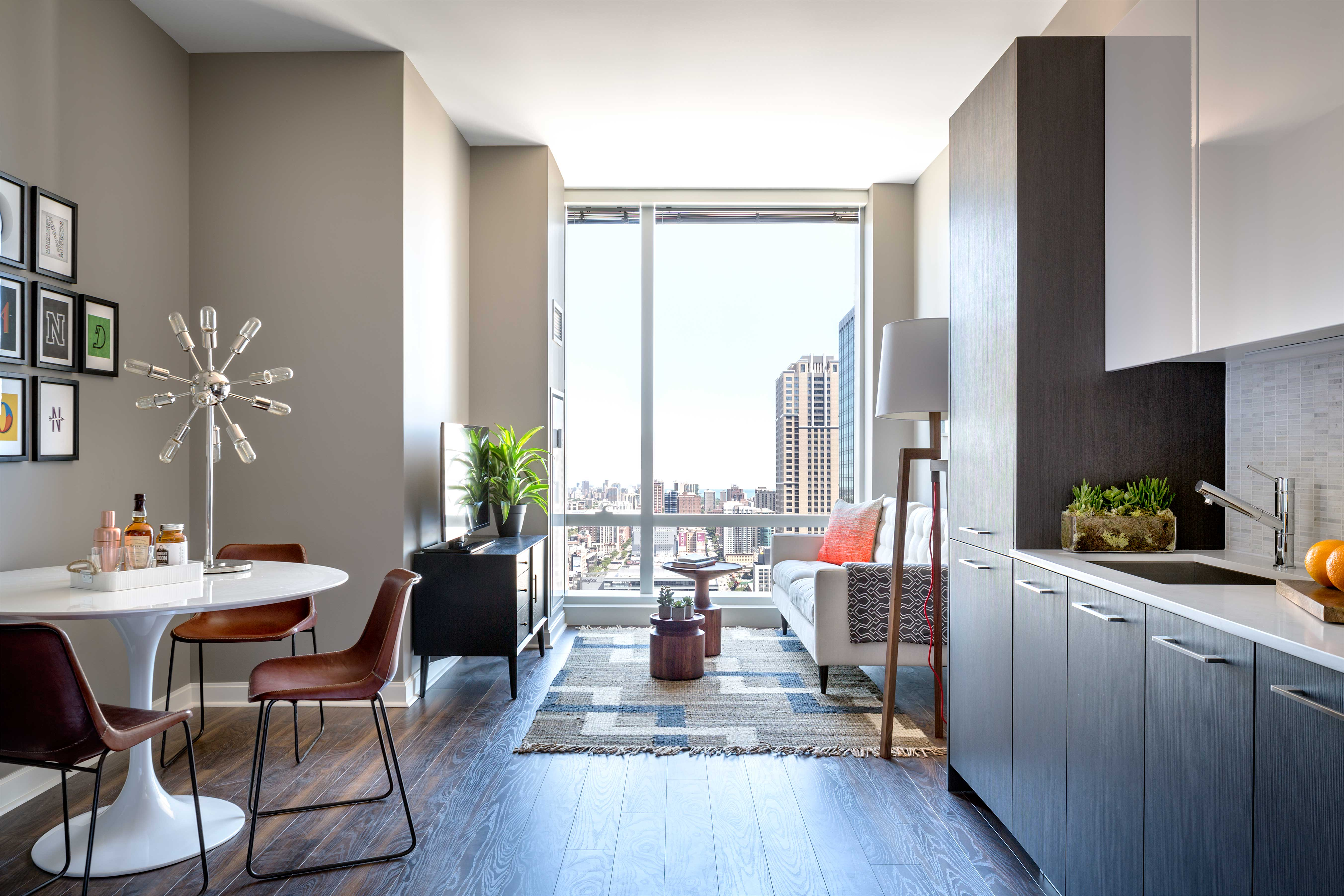 live large in a new loop studio at oneeleven yochicago. Black Bedroom Furniture Sets. Home Design Ideas