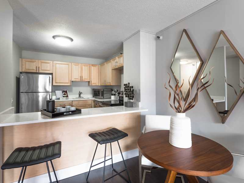 Special deals at newly-renovated near-Loop apartments at 777 South State