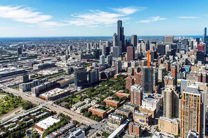 Free rent at new South Loop luxury apartments in a prime location