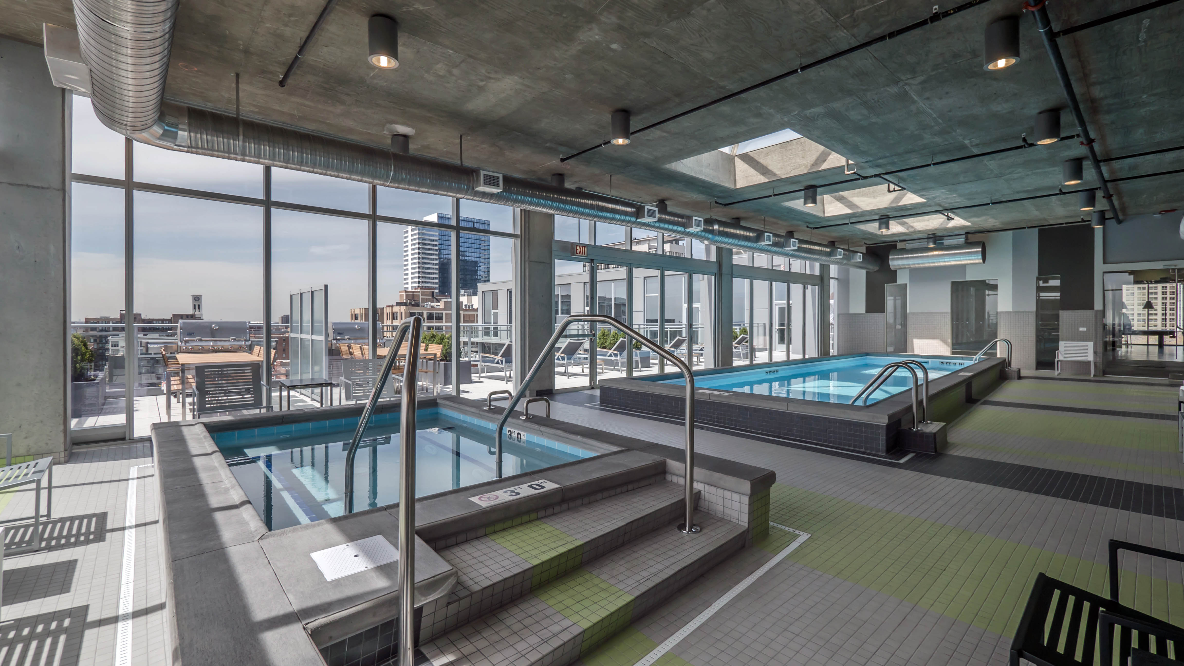 Downtown Chicago apartments with indoor pools – a complete list ...