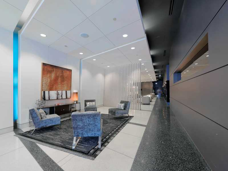 Bargain rents, great amenities at The LEX in the South Loop