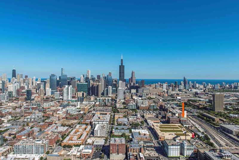 Landmark West Loop, Chicago, at arrow