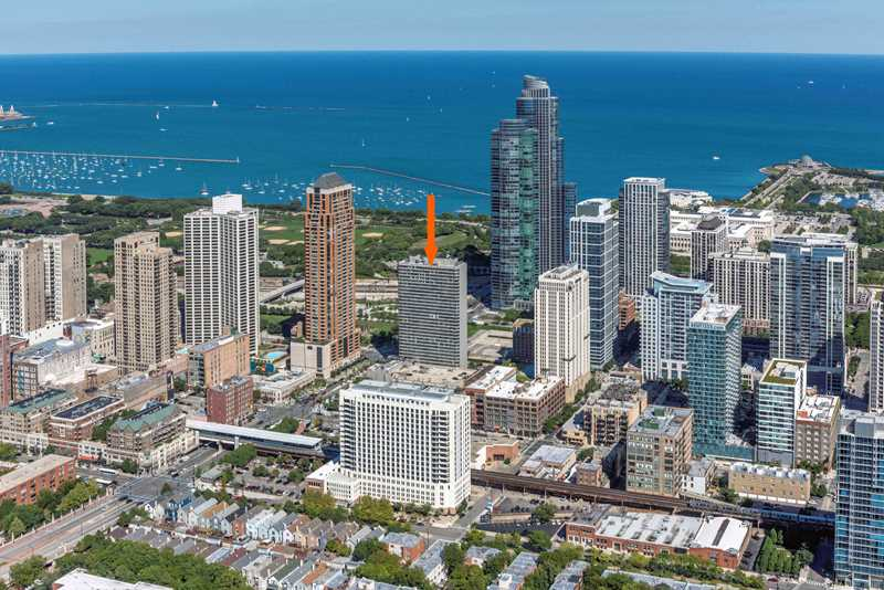Free rent on bargain-priced South Loop apartments across from Grant Park
