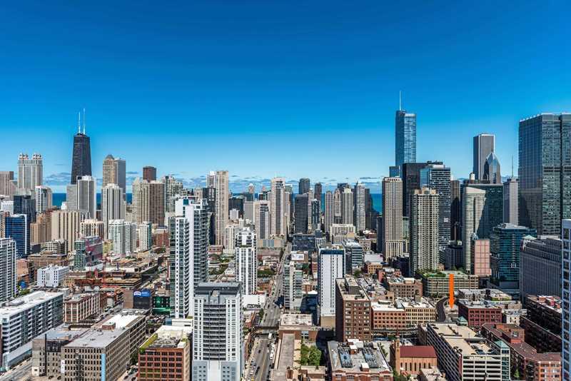 Centrum221, Chicago, at arrow
