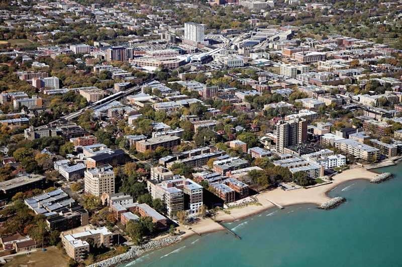 Aerial view of Rogers Park, Chicago. Kardas Photography