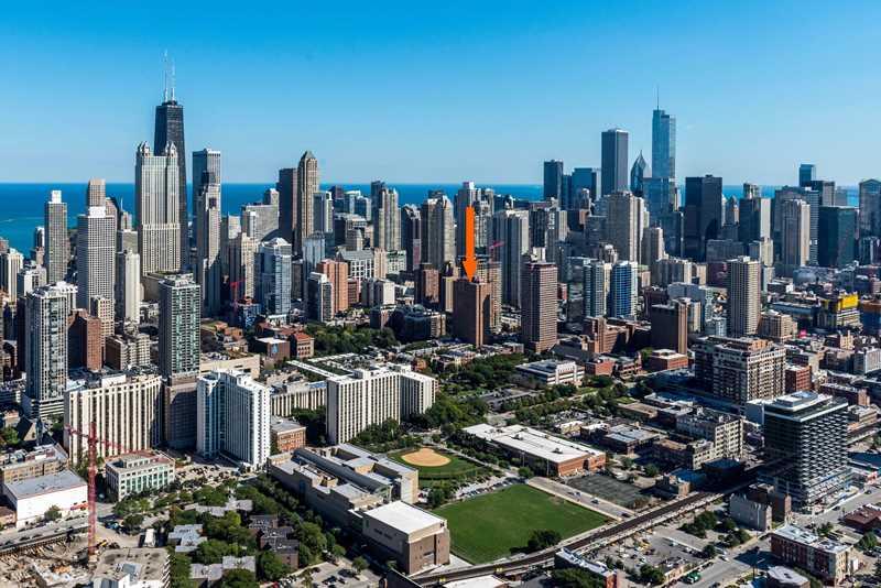100 W Chestnut, Chicago