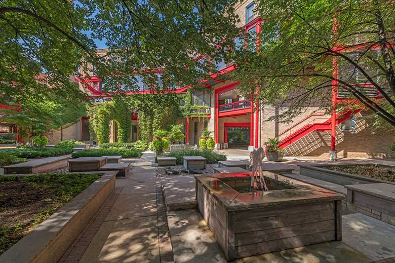 Old Town's Cobbler Square Lofts have urban excitement, tree-shaded retreats